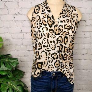 🐆Vince Camuto leopard print blouse